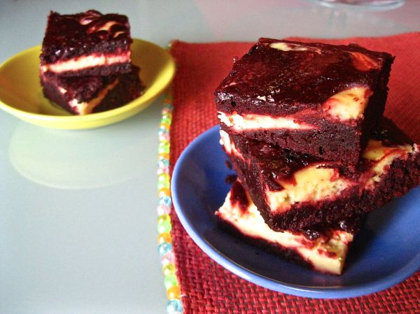 Red Velvet Chessecake Swirl Brownies