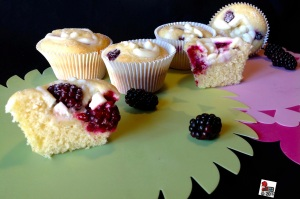 Blackberries Cheesecake Muffins