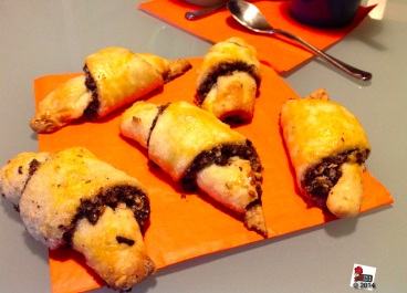 Rugelach:http://wp.me/p2x5x0-10g