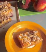 peach crumble bars: ecco la ricetta http://wp.me/p2x5x0-1ac
