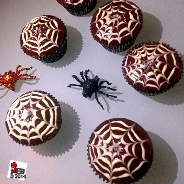 Spider's web cupcake