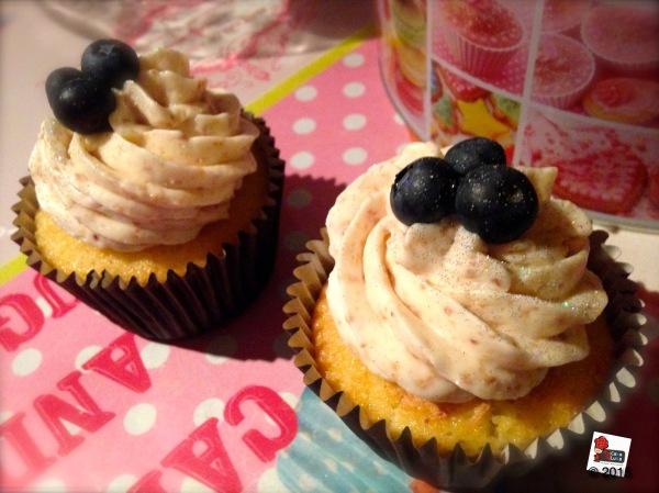 Cupcake mirtilli e amaretti